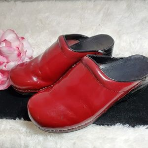 Dansko Red patent leather Slip on Clogs